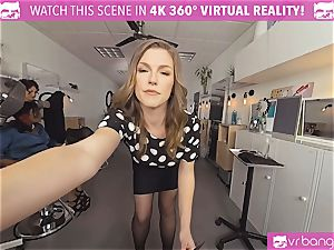 VRBangers.com Hairdresser Ella plumbed hard and facial