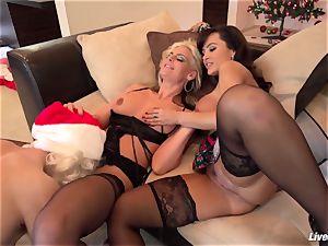 LiveGonzo Lisa Ann & Phoenix Marie boning Santa