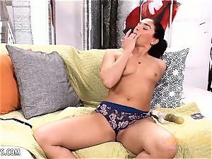 Sheena Ryder playthings her snizz