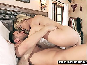 Cherie DeVille is a chisel greedy cougar