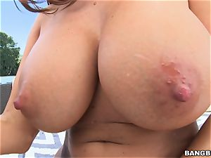 gigantic arse and phat bumpers Ava Addams gets buttfuck