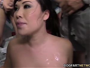 London Keyes likes mass ejaculation with black chisels