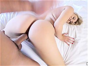 salami longing Natalia Starr slurps up man sausage