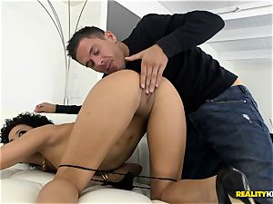 Deeply drilling the stunning babe Mia Austin