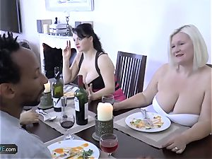 AGEDLOVE grandmother round Lacey Starr faced her buddies