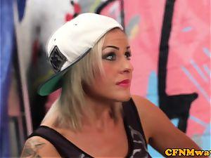 female domination street artist Lissa enjoy gives blow-job