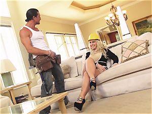 blonde mummy Ryan Conner cougar Alert Sn four