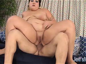 nice plumper Jade Rose penetrates her boyfriend