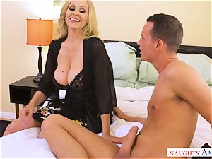 cum greedy Julia Ann