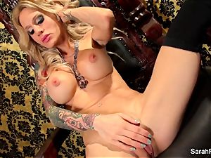 big-boobed ash-blonde Sarah Jessie plays with her poon