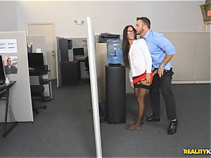 Office plumb with the assistant Aubrey Rose who happens to be the bosses daughter