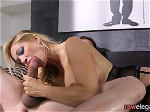 manhood jacking milf Gets Her butt boinked
