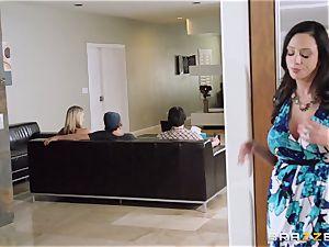 Mean mummy Ariella Ferrera tempts her daughters-in-law man