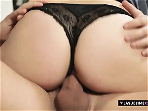 LASUBLIMEXXX Denisa Heaven takes hefty man meat in her cooter