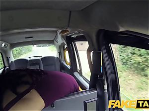 fake taxi hasty banging and creampie for peachy arse