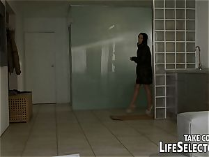 fuck Mya Diamond, observe Tina Blade hotwife & spraying