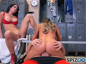 Nikki Benz and Jessica Jaymes pulverize manmeat in the locker room