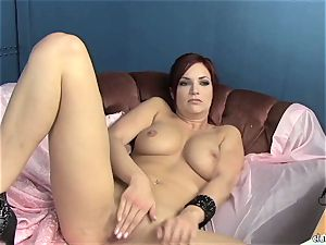 voluptuous Jayden Cole luvs taunting her delicious raw clittie