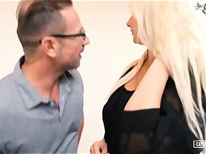 unsheathed audition - buxom Bambi Bell in sizzling porno casting