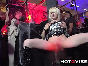 ash-blonde Spaniard frigs In Public