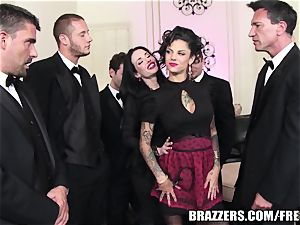 Brazzers - Veronica & Bonnie - six fellow gangbang