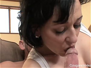 cougar gets a pussyful of fuckpole