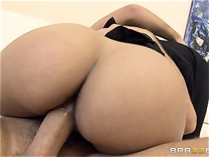 ultra-kinky gal Lola James ravages for her grades